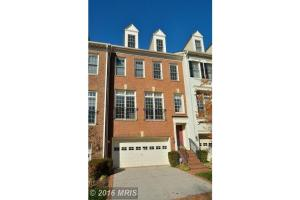 7450 CARRIAGE HILLS DR